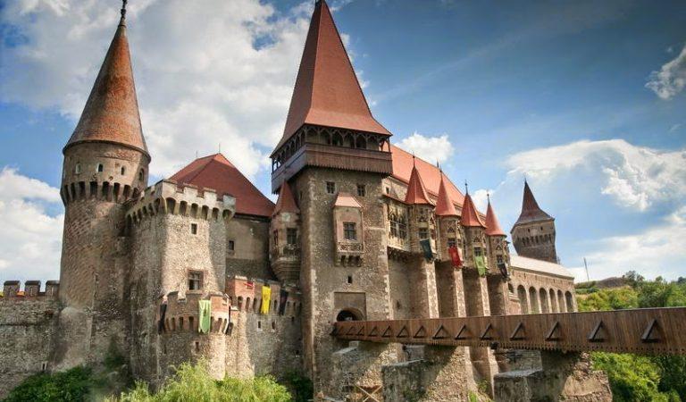 Obiectivele turistice cu cele mai stranii mituri IV