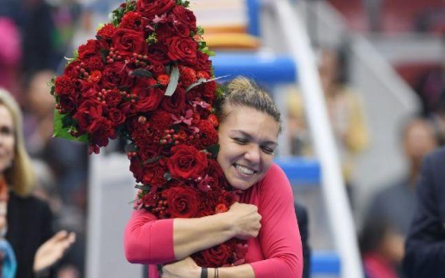 Simona Halep este noul număr 1 mondial din tenisul feminin! Victorie clară şi meritată în semifinale la Beijing, în faţa Jelenei Ostapenko