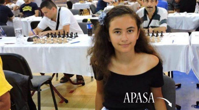 La doar 13 ani, o româncă din Iași este campioană mondială la şah