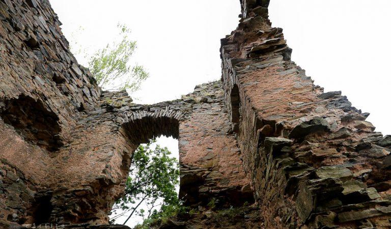 """Cetatea Colț- """"Castelul din Carpaţi"""" unde Jules Verne s-a îndrăgostit de o româncă"""