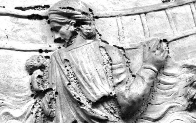 Povestea DOCHIEI – sora regelui DECEBAL. Foarte probabil, această scenă de pe Columna lui Traian o reprezintă pe prințesa dacă. Ce spun izvoarele istorice?