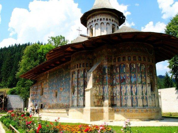 Legenda lui Daniil Sihastru și a Mănăstirii Voroneț