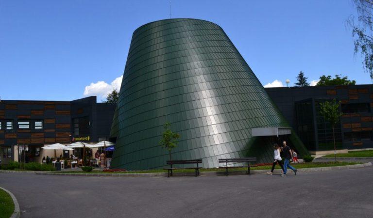 La Brașov s-a deschis cel mai mare planetariu din România, un proiect unic în Europa