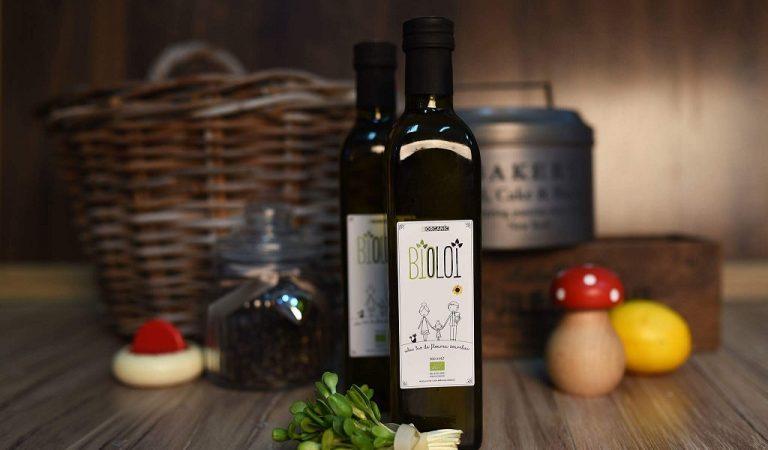 Primul ulei de floarea-soarelui certificat bio, reusita 100% romaneasca a unor tineri pasionati de agricultura