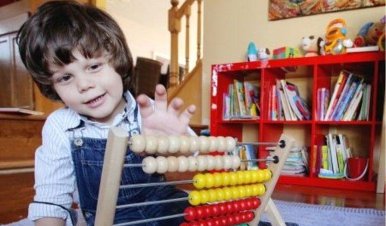 Un copil de origine română a fost desemnat cel mai inteligent de pe planetă