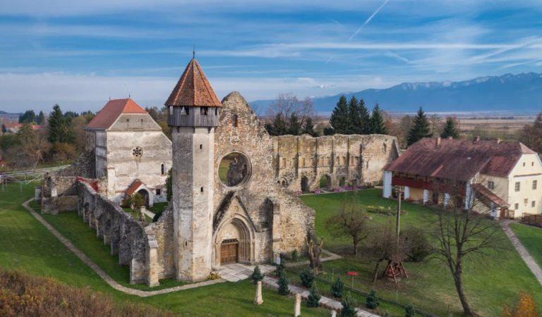 Mănăstirea Cârța, platoul de filmare al unei producții cinematografice