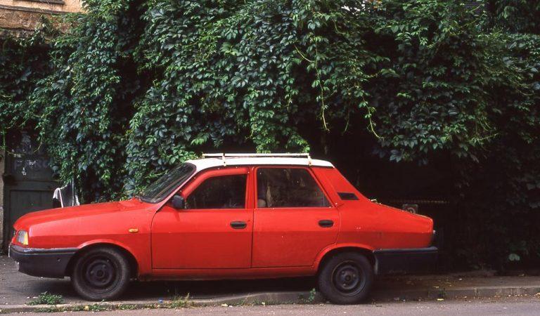 Tinerii moderni care au revoluționat vechea mașină românească