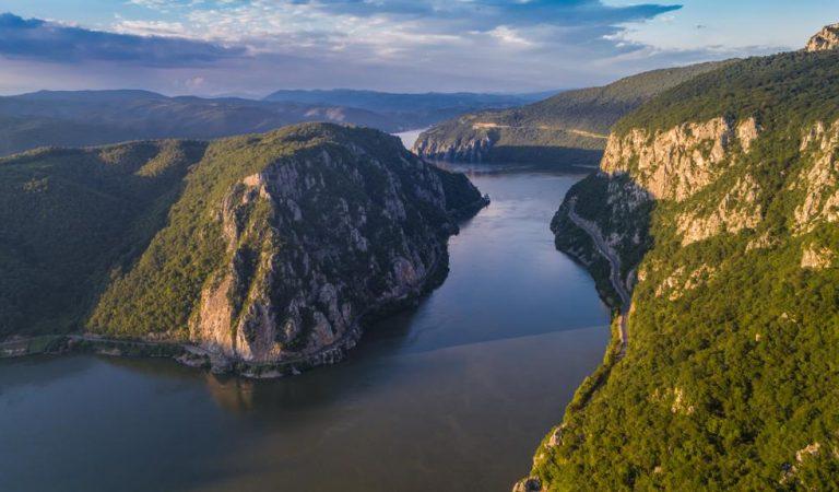 În călătorie de-a lungul Dunării